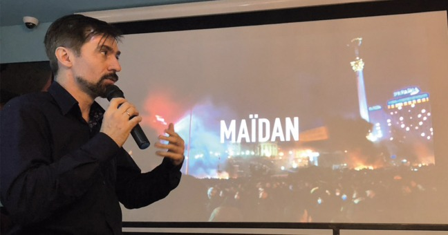 Volodymyr Shpinov lors de la présentation de son film Maidan à Lyon