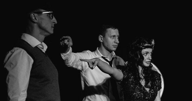 Theatre studio Splash de Kyiv lors du spectacle Sept amis de Back