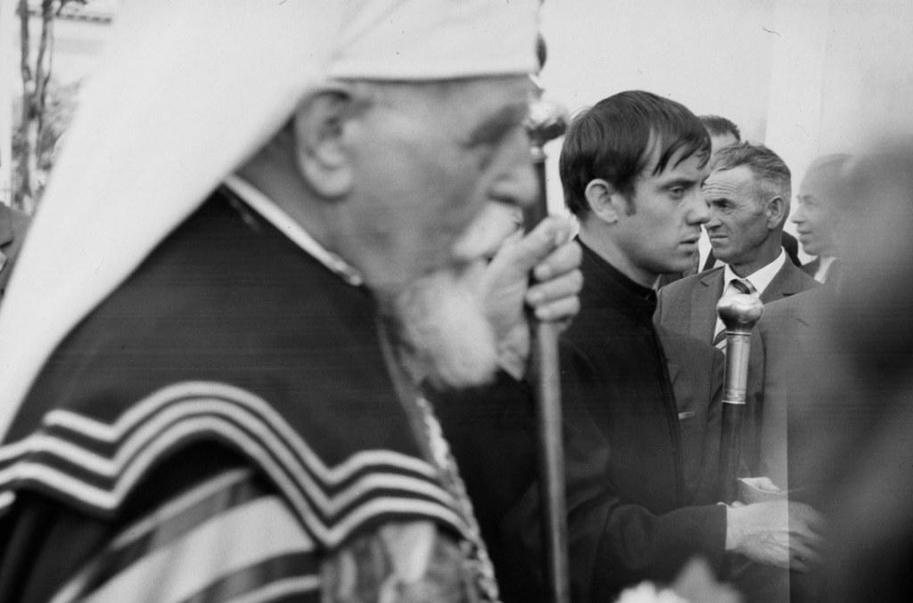 Mgr Joseph Slipyi et le père Salewycz de la paroisse Saint-Athanase. Villeurbanne, le 14 juillet 1970